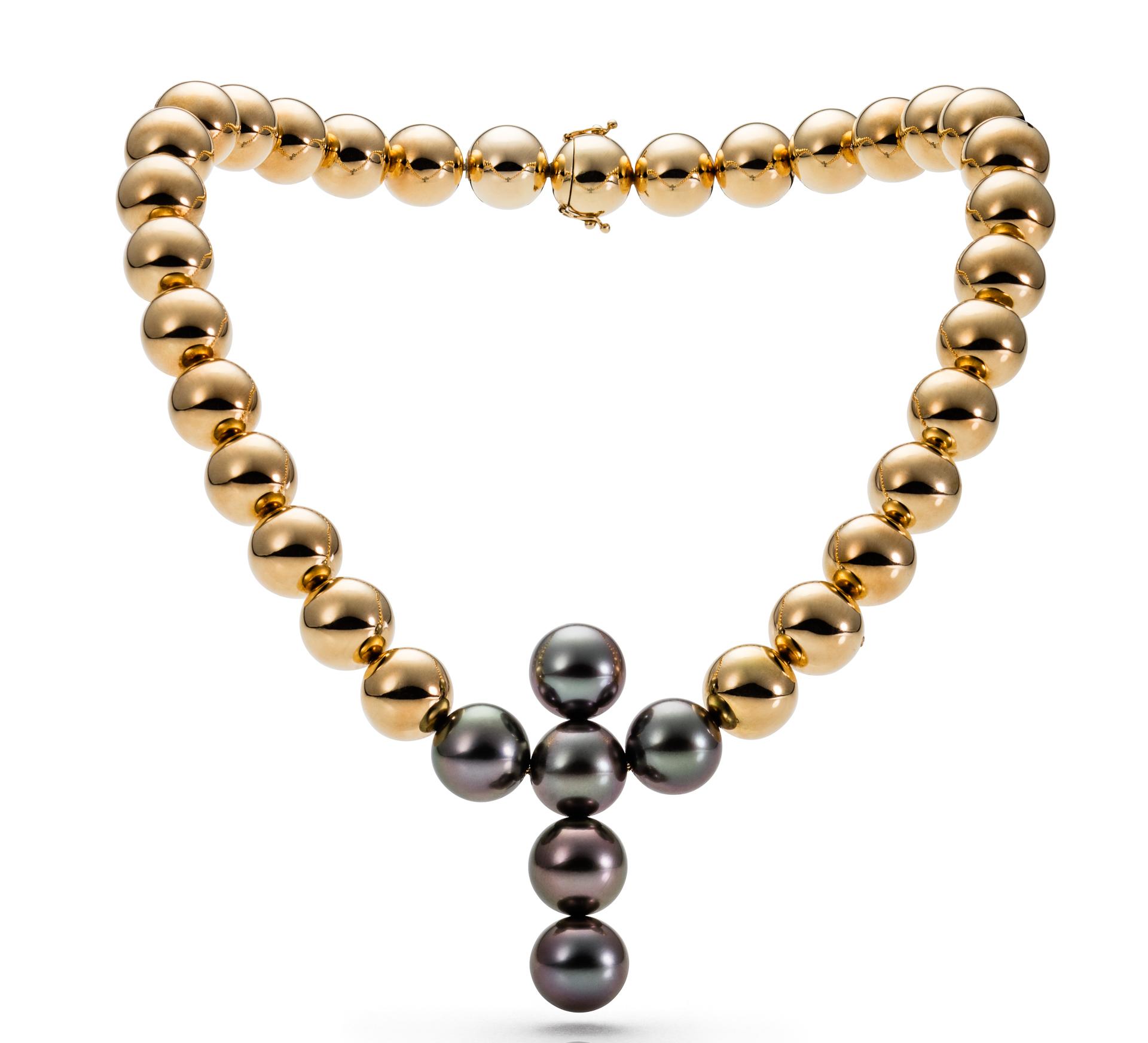 Tobias Ueberschaer Perlenkette